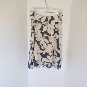 Banana Republic 100% Silk Floral skirt size 6